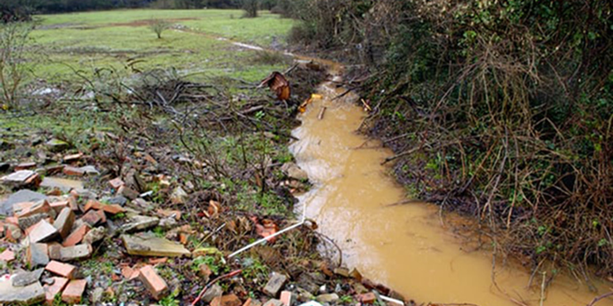 PCBs contaminated aquifer suppling Cardiff and Birmingham