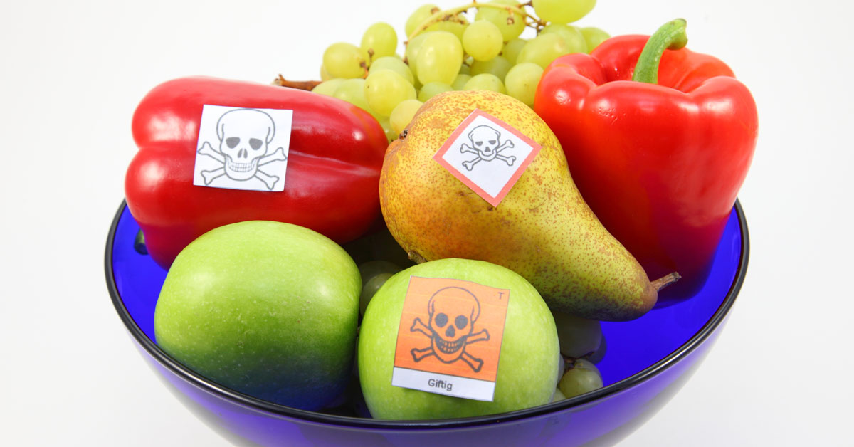 Pesticide mixtures in fruit and vegetables